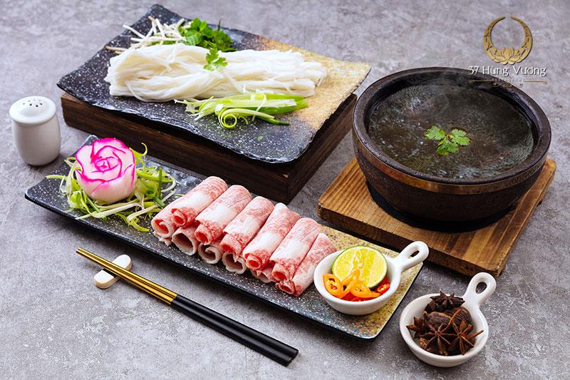 Phở bát đá bò Wagyu 37 – Món ngon thượng hạng tại 37 Hùng Vương